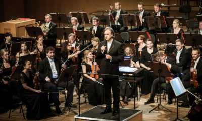 Mariusz Smolij podczas koncertu w Filharmonii Opolskiej